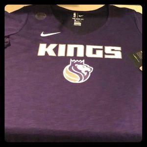 Women's NIKE dry fit  L.A. KINGS tee shirt, NWT